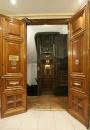 Hostal Prim   Corridor and door